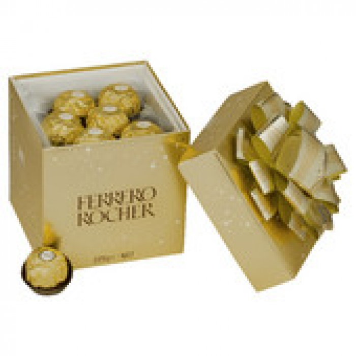 Ferrero Rocher Chocolates T18 Cube 225g
